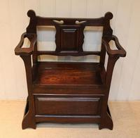 Small Proportioned Oak Hall Bench (5 of 9)