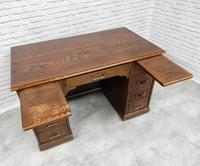 Oak Pedestal Desk (8 of 9)