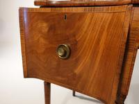Very Good and Original Regency Period Scottish Mahogany Sideboard (5 of 6)