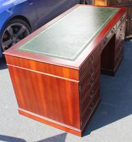 1960s Mahogany Pedestal Desk with Green Leather (3 of 4)