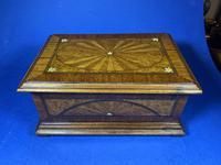 19th century French Walnut Inlaid Jewellery Box. (7 of 16)