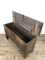 Early 18th Century Six Plank Oak Coffer (14 of 20)