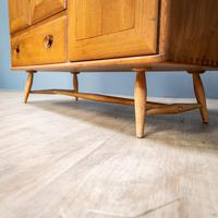 Mid Century Ercol Sideboard (9 of 12)