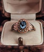 Antique Victorian Mourning Ring, 15ct Gold, Black Enamel & Seed Pearl, Agate Forget me Not (4 of 13)