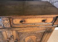 Quality Carved Oak Sideboard (6 of 14)