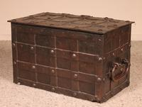 Nuremberg Chest or Pirate Chest 17th Century in Wrought Iron (5 of 12)