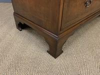 Burr Walnut Linen Press by Waring & Gillow (15 of 17)