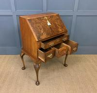 Very Good Queen Anne Style Burr Walnut Bureau (14 of 18)