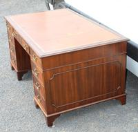 1960s Large Mahogany Pedestal Desk with Brown Leather Top (3 of 4)
