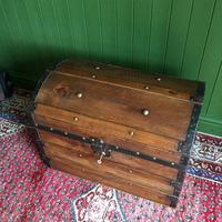 Antique Steamer Trunk Victorian Dome Top Chest Old Rustic Pine Blanket Box + Key (4 of 10)
