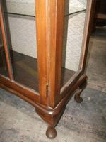 Glazed Queen Anne Style Display Cabinet c.1925 (3 of 3)