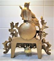 Wonderful 1890 French Spelter Striking Mantle Figurine Clock (4 of 5)