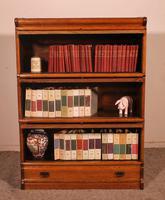 Globe Wernicke Oak Bookcase of Three Elements (4 of 12)