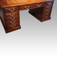 Edwardian Mahogany Large Pedestal Desk (2 of 13)