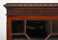 Mahogany Chippendale style 2 door display cabinet (3 of 11)