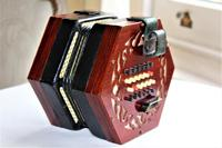 Lachenal Mahogany concertina in the original carrier case which is in very good condition (13 of 13)