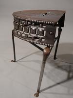 Very Good Quality George III Period Demilune Steel Footman (2 of 5)