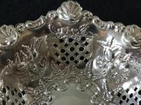 Silver Reticulated, Repousse Decorated  Bon Bon  Dish  Birmingham 1907 (5 of 5)