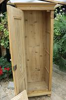 Fabulous Old Stripped Pine Cupboard / Wardrobe (9 of 11)