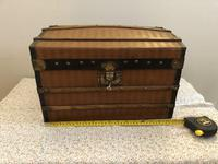 Dome Top Miniature Travelling Trunk (7 of 7)