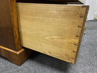 Superb Quality Walnut Chest of Drawers (12 of 18)