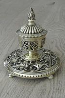 Fine Aesthetic Movement Desk Set Brass Inkwell & Brass Candlesticks c.1880 (5 of 11)