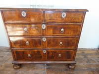 Early 18th English Walnut Chest of Drawers (8 of 8)