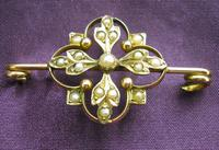 Victorian 9ct Gold & Seed Pearl Brooch (3 of 3)
