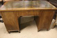 Mahogany Kneehole Desk (4 of 5)
