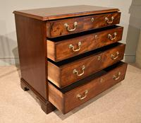 Excellent George III Mahogany Chest of Drawers (4 of 9)