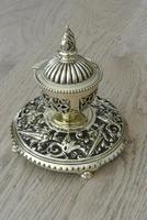 Fine Aesthetic Movement Desk Set Brass Inkwell & Brass Candlesticks c.1880 (2 of 11)