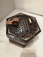 Good Early 20th Century Concertina Squeeze Box (9 of 11)