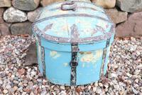 Scandinavian / Swedish 'Folk Art' Travel chest in blue paint and ironwork, 18th Century (9 of 37)