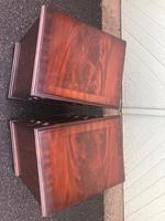 Pair of Small Mahogany Bedside Chest Drawers (8 of 11)