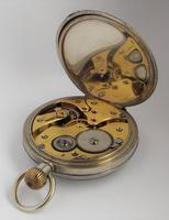 1920s Swiss stem winding pocket watch. (3 of 5)