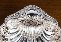 An Extremely Pretty Pair of Edwardian Silver Shell Dishes (2 of 7)