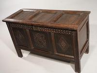 Early 18th Century Oak Panelled Coffer (2 of 7)