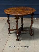 Pretty Walnut Carolean Coffee or Lamp Table (10 of 10)