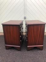 Pair of Small Mahogany Bedside Chest Drawers (7 of 11)