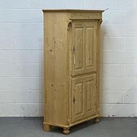 Old Pine 2 Door Cupboard (4 of 5)