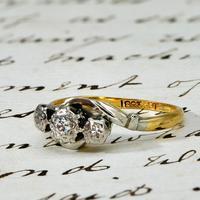 The Vintage Illusion Twist Brilliant Cut Diamond Ring (4 of 5)