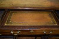 Quality Georgian Mahogany Kneehole Leather Top Desk (6 of 9)