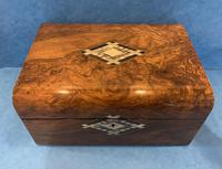 Victorian Walnut Jewellery Box with Mother of Pearl, Abalone & Ebony Inlaid to the Centre & Key Escutcheon