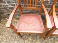 A Pair of Arts and Crafts Oak Chairs (10 of 10)