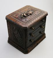 Black Forest Miniature Apprentice Piece Carved Chest 19th Century (5 of 11)