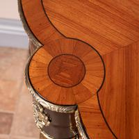 Fine Quality French Marquetry & Ormolu Mounted Occasional Table (24 of 24)