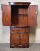 Mahogany Bow Front Cocktail Drinks Cabinet / Strongbow Furniture (5 of 10)