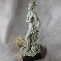 Biscuit Porcelain Sculpture of a Girl by Gianni Visentin (4 of 7)