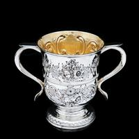 Georgian Solid Silver Loving Cup / Two Handled Cup - London 1748 (26 of 28)