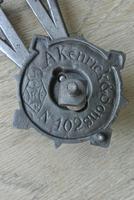Genuine Victorian Archibald Kenrick Cast Iron Door Knocker No 402 c.1879 (3 of 5)